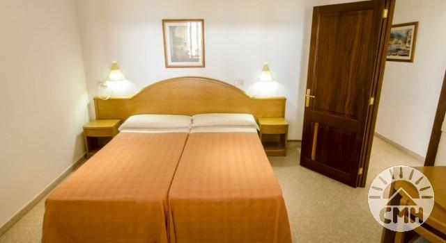 Xloc E - Bedroom bed