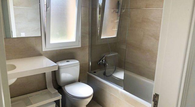 Eve - bathroom