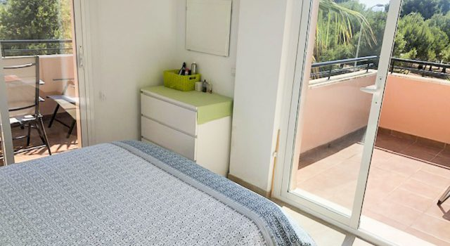 Eve - bedroom with terrasse view