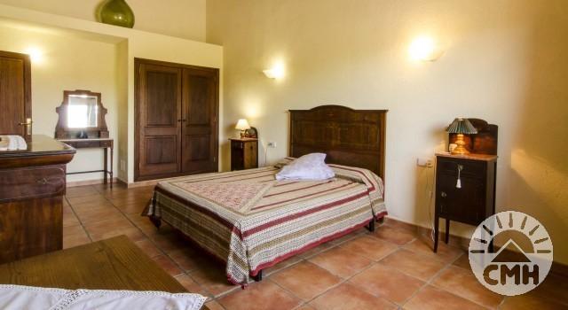 Finca Sa Plana - Master Bedroom Bed