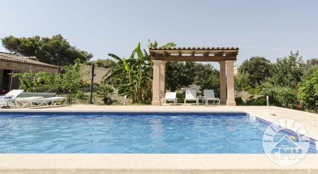 Finca Sa Plana - Pool Sunbeds