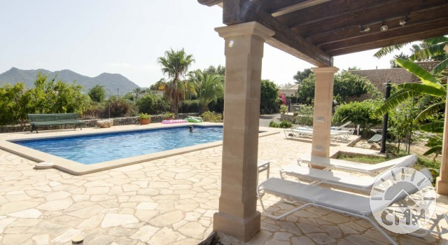 Finca Sa Plana - Pool View Sunbeds Indoor