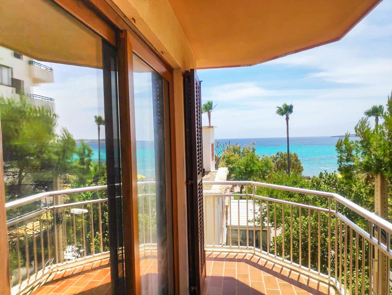 Jordana - balcony