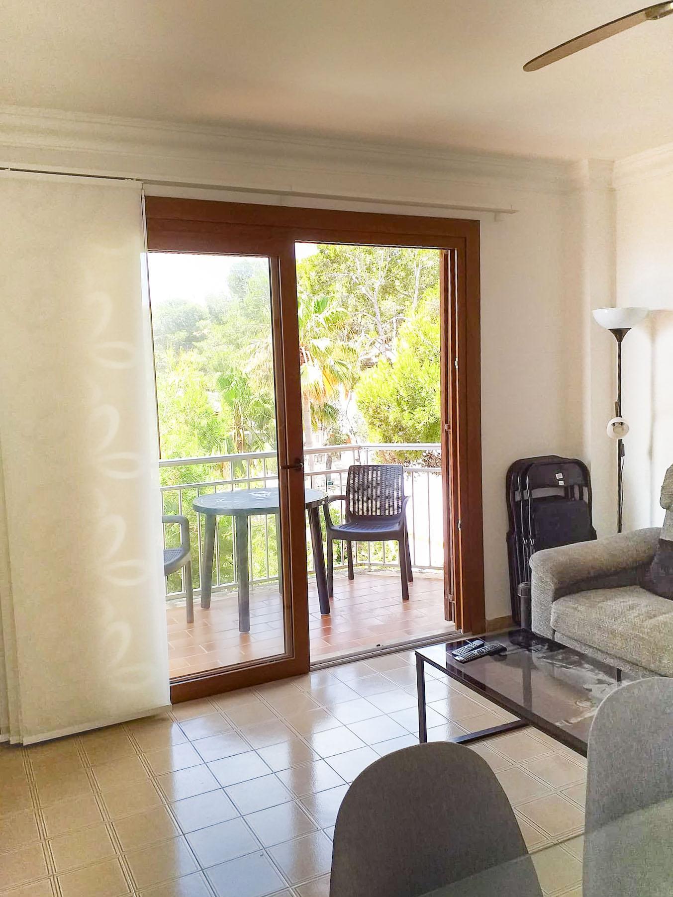 Jordana - living room