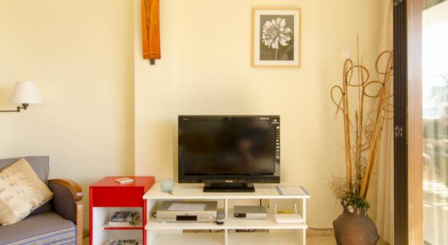 Levante - Livingroom with Entertainment