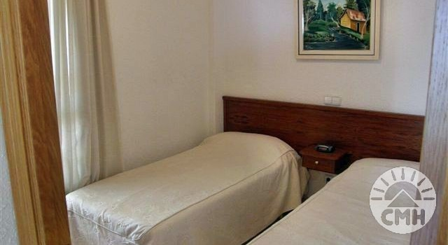 Marina Park - bedroom 2 with single beds