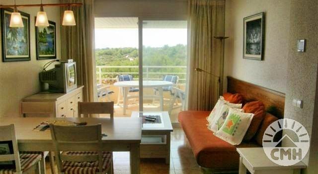 Marina Park - living room with balcony
