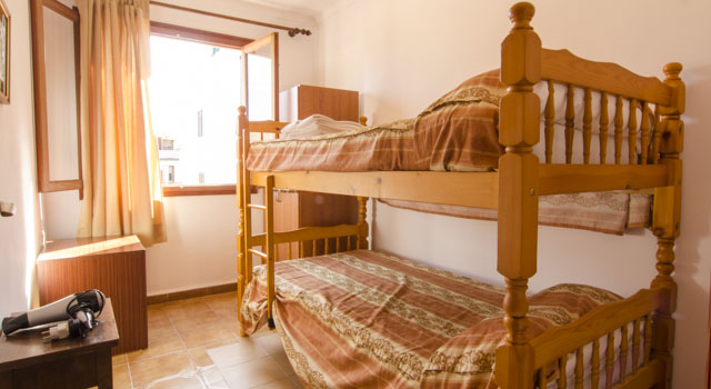 Toni 3 - Bedroom Bunk Beds