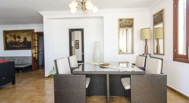 Toni 3 - Dining Area