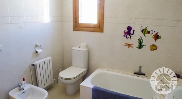 Villa Floriana - Bath Upstairs Tube