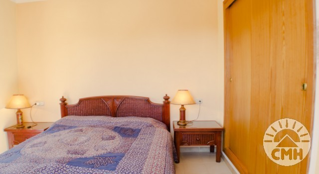Villa Floriana - Schlafzimmer 3 mit Kleiderschrank