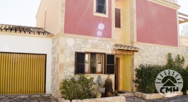Villa Floriana - House