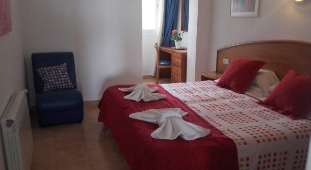 Villa Margarita 1 bedroom - bedroom with single beds