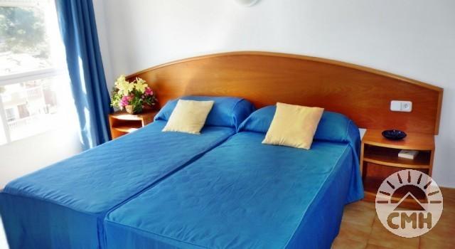Villa Margarita 2 bedroom - bedroom 2 with single beds